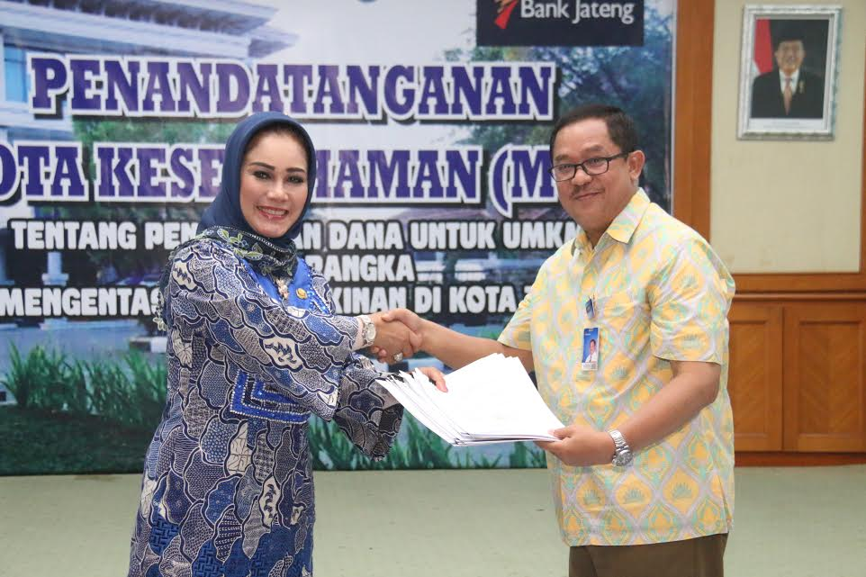 Walikota Tegal raih penghargaan Indonesia Leaders Quality Award 2016